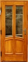 Jednokřídlé masivní dveře. Dveře. Masiv.